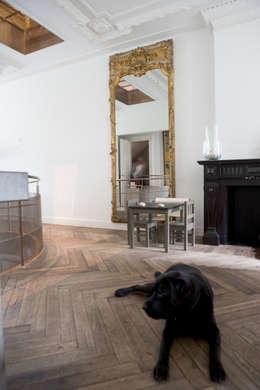 Renovatie en verbouwing woonhuis te Amsterdam: rustieke & brocante Woonkamer door Kodde Architecten bna