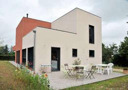 modern Houses by BFG CADRE DE VIE