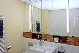 Waschtisch: moderne Badezimmer von Dielen Innenarchitekten