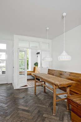 Renovatie appartement te Amsterdam: rustieke & brocante Keuken door Kodde Architecten bna