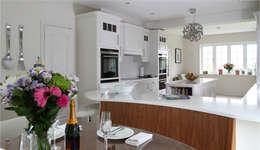 moderne Keuken door John Ladbury and Company