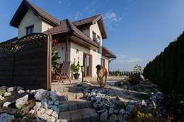 Dom z Głębokiej, home staging: styl klasyczne, w kategorii Domy zaprojektowany przez Sceny Domowe
