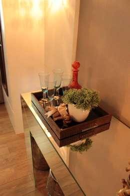 Residencial 17: Salas de jantar modernas por Apê 102 Arquitetura