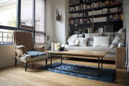 2 pièces de 28m2: Salon de style de style Moderne par Atelier Grey