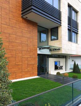 HATIRLI Mimarlık Ltd. Şti. – ÖSAK Yönetim Binası:  tarz Ofis Alanları