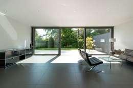 homify 360 puristisches einfamilienhaus in d sseldorf. Black Bedroom Furniture Sets. Home Design Ideas