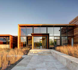 Sam's Creek: modern Houses by Bates Masi Architects
