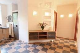 Corridor & hallway by Better Home