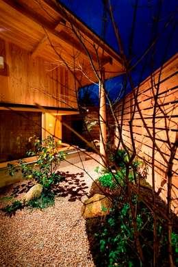 asian Garden by AMI ENVIRONMENT DESIGN/アミ環境デザイン