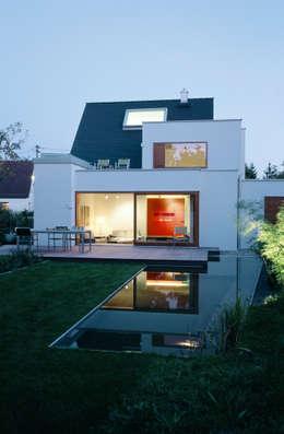 Projekty,  Ogród zaprojektowane przez Löffler Weber | Architekten