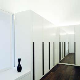 Projekty,  Garderoba zaprojektowane przez Löffler Weber | Architekten