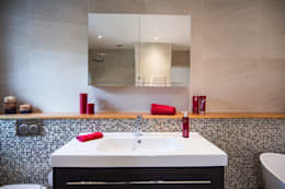 Projekty,  Łazienka zaprojektowane przez Raycross Interiors
