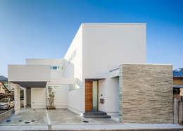 moderne Huizen door 株式会社細川建築デザイン