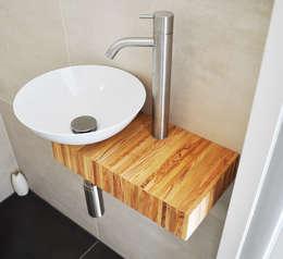 Olijfhouten badmeubels: minimalistische Badkamer door NokNok