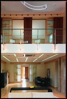 Дом в стиле Zen: Гостиная в . Автор – Studio B&L