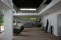 salon: Salon de style de style Moderne par scp duchemin melocco architectes