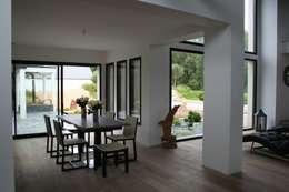 séjour: Salle à manger de style de style Moderne par scp duchemin melocco architectes