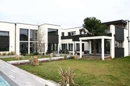 Extérieur 2: Jardin de style de style Moderne par scp duchemin melocco architectes