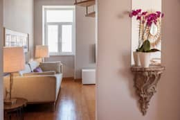 classic Corridor, hallway & stairs by Home Staging Factory