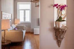 Pasillos y hall de entrada de estilo  por Home Staging Factory