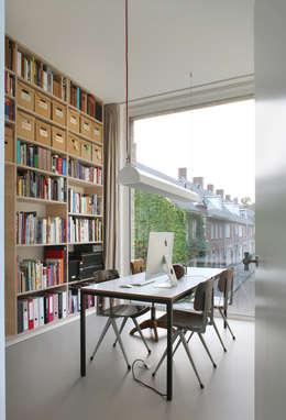 Woonhuis Bedaux-Nagengast: moderne Woonkamer door Bedaux de Brouwer Architecten