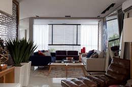 Apartamento Bossa: Salas de estar modernas por Juliana Pippi Arquitetura & Design