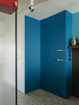 Appartement Observance: Couloir, Entrée & Escaliers de style de style Moderne par nesso