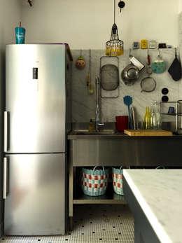 Appartement Observance: Cuisine de style de style Moderne par nesso