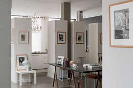 LOFT PARISIEN: Bureau de style de style eclectique par ID CHRISTOPHE DAUDRE