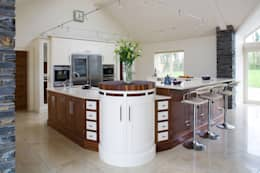 classic Kitchen by Designer Kitchen by Morgan