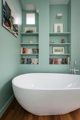 Baños de estilo moderno por Decorexpat
