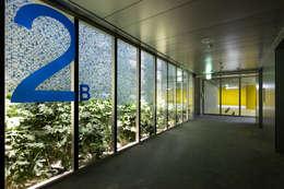 JEONNAM KSCFC BUILDING: PARKiz의  서재 & 사무실
