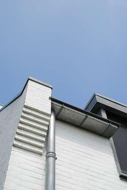 Walls & flooring by halma-architecten