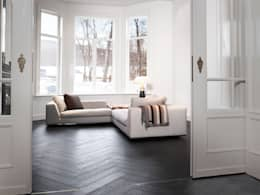Leefruimte in parket:  Muren door Nobel flooring