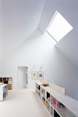 scandinavische Studeerkamer/kantoor door Bohn Architekten GbR