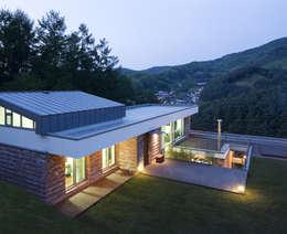 Projekty, nowoczesne Domy zaprojektowane przez 유오에스건축사사무소(주)