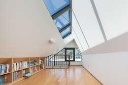 가평주택: 유오에스건축사사무소(주)의  주택