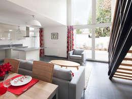 Le village Bacalan: Salon de style de style Moderne par Leclercq & Associés