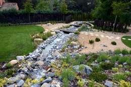 Jardines de estilo mediterraneo por La Paisajista - Jardines con Alma