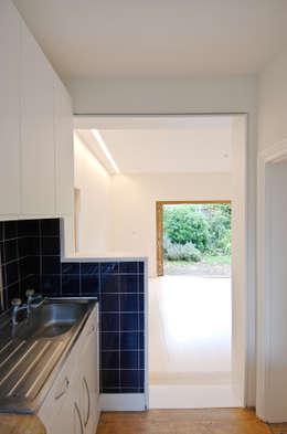 Dapur by Neil Dusheiko Architects