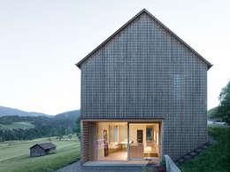 Casas de estilo clásico por Innauer-Matt Architekten ZT GmbH