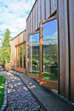 Rumah by Neil Dusheiko Architects