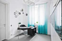 Projekty,  Domowe biuro i gabinet zaprojektowane przez Owner /designer