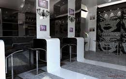 Bars & clubs by Dadesign Interior Designer