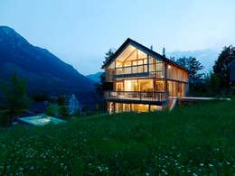 Casas de estilo moderno por Hohensinn Architektur