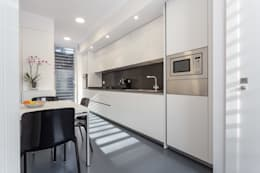Cocina - Grey House | 08023 Arquitectos - Barcelona: Cocinas de estilo moderno de 08023 Architects