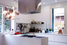 Cocinas de estilo minimalista por tomaso boccato architetto