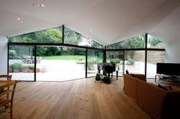 moderne Woonkamer door Caseyfierro Architects
