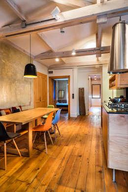 Atelye 70 Planners & Architects – Gabriel Apartment Kitchen: modern tarz Mutfak