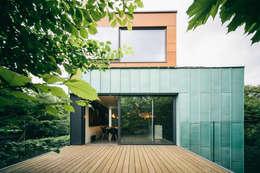 dom_w_parku_6_arc2: styl , w kategorii Taras zaprojektowany przez ArC2 Fabryka Projektowa sp.z o.o.